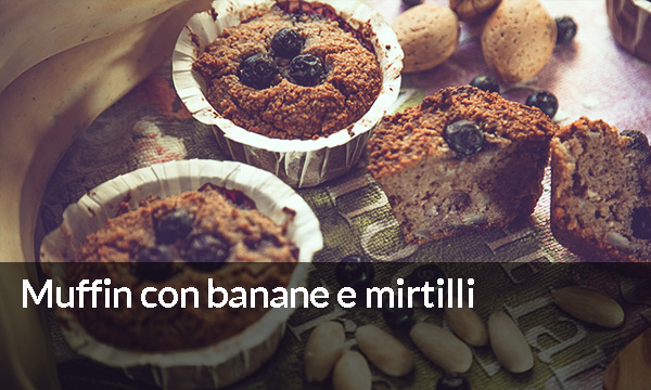 Muffin con banane e mirtilli